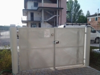 installazione automatismo su cancello pedonale