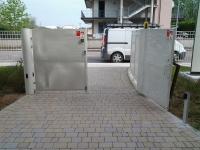 cancello pedonale aperto