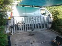 vecchio motore cancello a battente