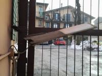 PRIMA: cancello a battente malfunzionate Asola