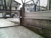 DOPO: Installazione motori per cancello battente