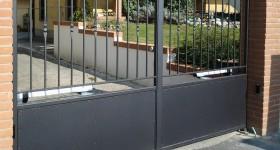 Installazione cancello automatico a battente a Bagnara (CR)