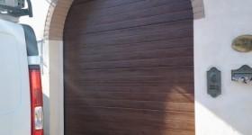 Installazione portone sezionale modello Botticelli