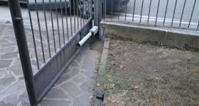 Sostituzione motore cancello a battente a Castellucchio